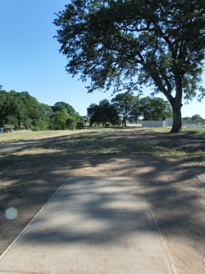 Rocklin Disc Golf Course, Main course, Hole 2 Tee pad