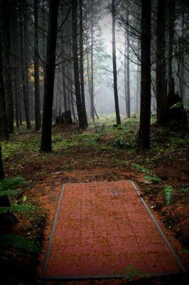 L.L. Stewart Stubb, Main course, Hole 17 Tee pad