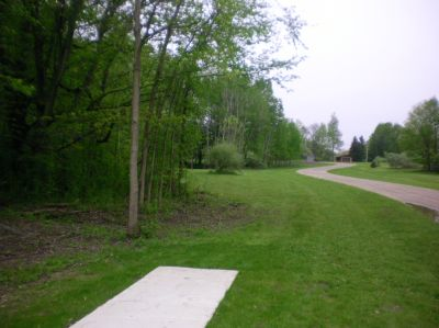 Burchfield Park, Renegades Trail, Hole 9 Short tee pad