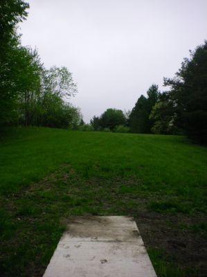 Burchfield Park, Devil's Den, Hole 1 Short tee pad