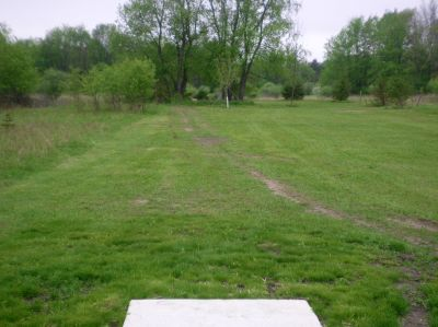 Burchfield Park, Devil's Den, Hole 5 Short tee pad