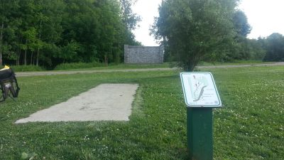 Burchfield Park, Renegades Trail, Hole 2 Long tee pad