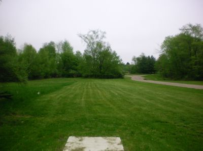 Burchfield Park, Devil's Den, Hole 10 Short tee pad