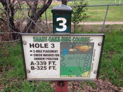 Shady Oaks Park, Main course, Hole 3 Hole sign