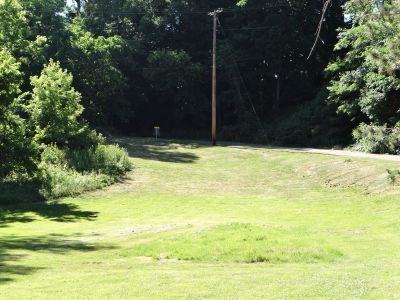 Painesville Recreation Park, Main course, Hole 6 Tee pad