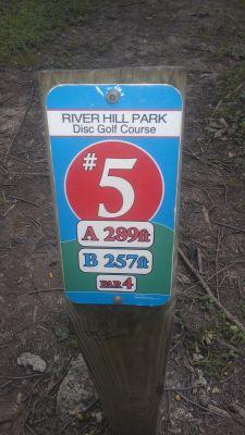 River Hill Park, Main course, Hole 5 Hole sign