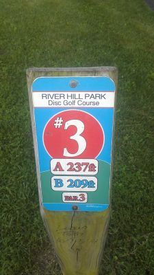 River Hill Park, Main course, Hole 3 Hole sign