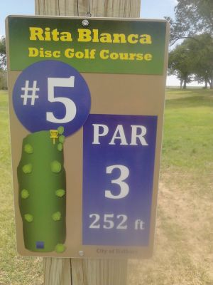 Rita Blanca DGC, Main course, Hole 5 Hole sign