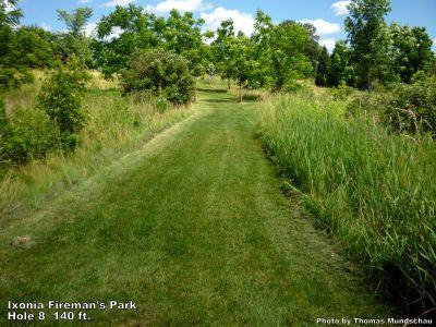 Ixonia Fireman's Park, Main course, Hole 8 Tee pad