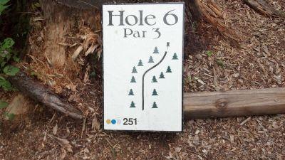 Top O' The Hill Disc Golf, Main course, Hole 6 Hole sign