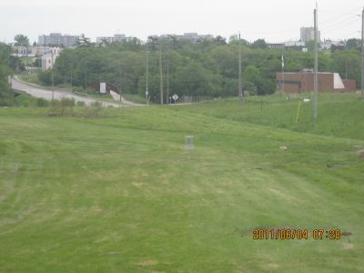 Ajax - Annandale Golf and Curling Club, Main course, Hole 1 Midrange approach