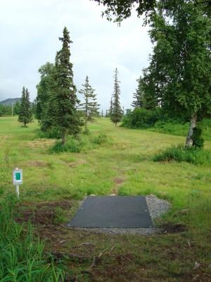Hilltop DGC, Main course, Hole 3 Tee pad