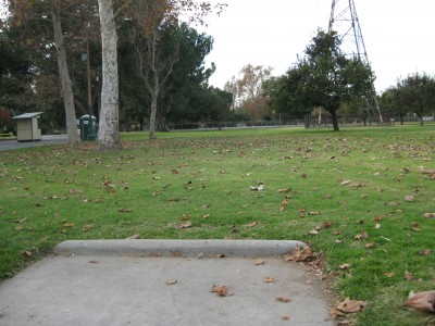 Whittier Narrows Park, Main course, Hole 1 Tee pad