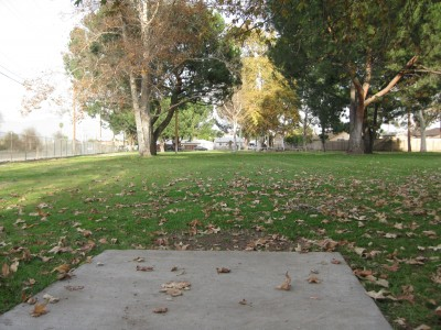 Whittier Narrows Park, Main course, Hole 5 Tee pad