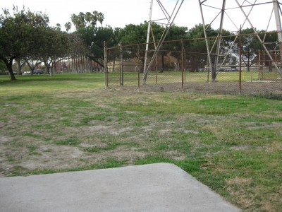 Whittier Narrows Park, Main course, Hole 2 Tee pad