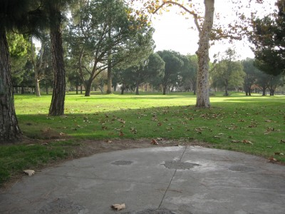 Whittier Narrows Park, Main course, Hole 6 Tee pad