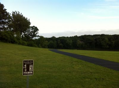 Riverfront Park, Main course, Hole 1 Tee pad