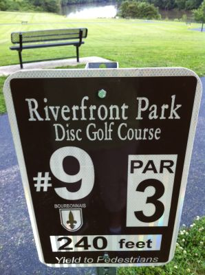 Riverfront Park, Main course, Hole 9 Hole sign
