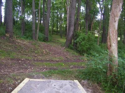 Schneider Park, Main course, Hole 9 Tee pad