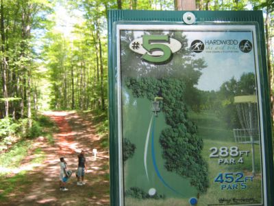 Harwood Ski & Bike, Main course, Hole 5 Hole sign