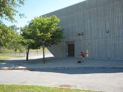 Bayside Secondary School, Bayside's Back Nine, Hole 9 Putt