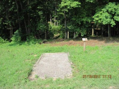 Hocking Peaks Adventure Park, Hocking Peaks DGC, Hole 6 Long tee pad