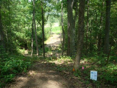 Robert L. Smith Park, Main course, Hole 18 Tee pad