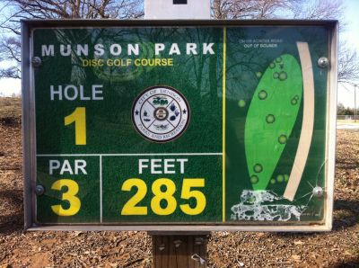 Munson Park, Main course, Hole 1 Hole sign