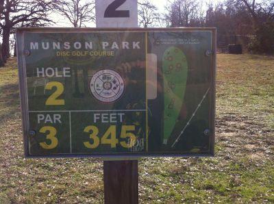 Munson Park, Main course, Hole 2 Hole sign