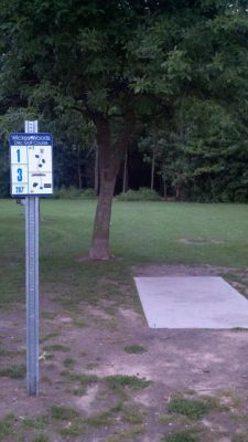 Wickes Woods, Main course, Hole 1 Tee pad