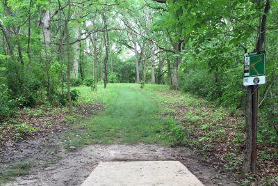 Indian Oaks, Main course, Hole 5 Long tee pad