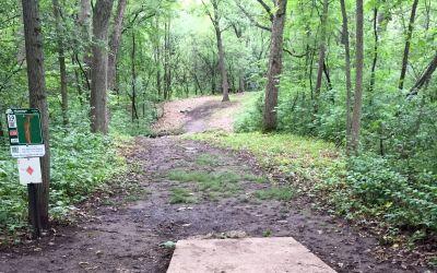 Indian Oaks, Main course, Hole 10 Long tee pad