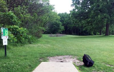 Indian Oaks, Main course, Hole 3 Long tee pad