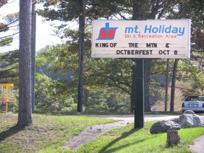 Mt. Holiday, Carly's Playground, Hole 1 Hole sign