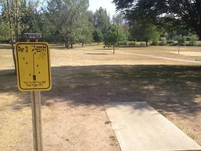 Heritage Park, Main course, Hole 4 Tee pad