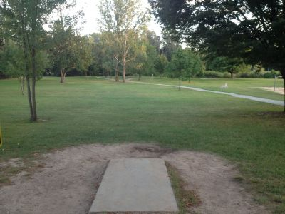 Heritage Park, Main course, Hole 4 Tee pad