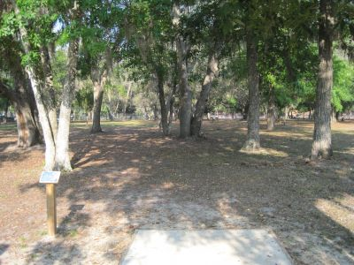 Under The Oaks, Main course, Hole 9 Tee pad