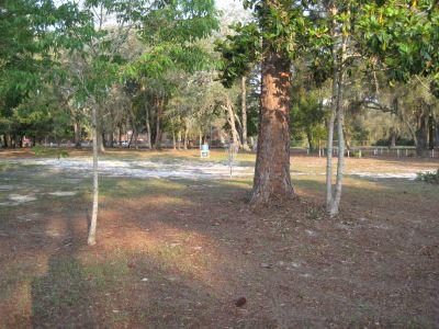 Under The Oaks, Main course, Hole 3 Short approach
