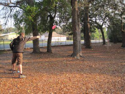 Under The Oaks, Main course, Hole 1 Short approach