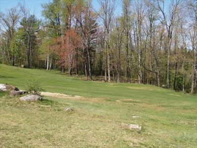 Petersham Country Club, Ross Run, Hole 15 Middle tee pad