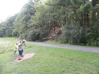 Dillon State Park, Woodchuck Ridge, Hole 3 Tee pad