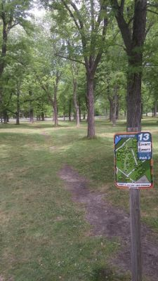Ellicott Creek, Main course, Hole 13 Tee pad