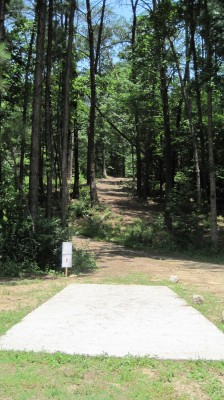 Inverness Disc Golf Park, Main course, Hole 7 Long tee pad