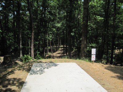Inverness Disc Golf Park, Main course, Hole 4 Long tee pad