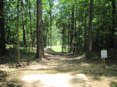 Inverness Disc Golf Park, Main course, Hole 5 Long tee pad