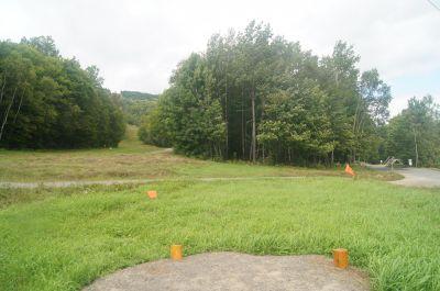 Mont-Sainte-Anne, Mont-Sainte-Anne, Hole 2 Short tee pad