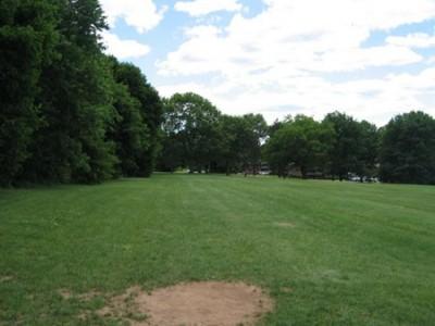 Wickham Park, Main course, Hole 8 Tee pad