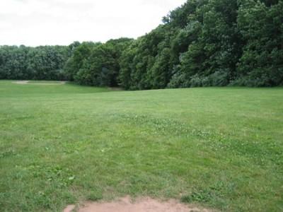 Wickham Park, Main course, Hole 17 Tee pad