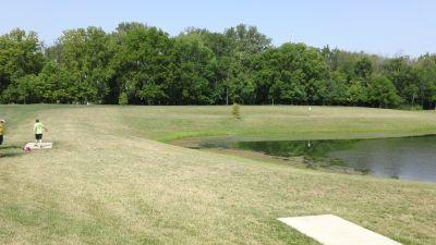 Dr. James A. Dillon park, Main course, Hole 2 Tee pad