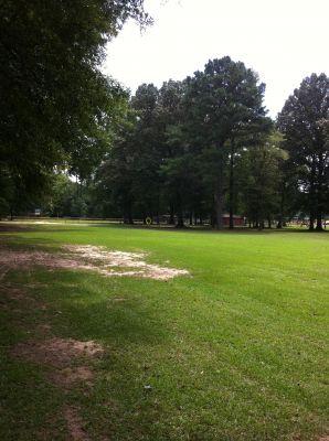 Ivan K. Hill Recreational Park, Main course, Hole 2 Tee pad